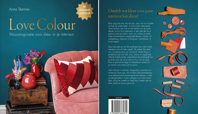 de kaft van het boek love color van anna starmer met zeegroen en roze #green #pink #color #diy #annastarmer #lovecolor #interior #interiordesign #book #cover