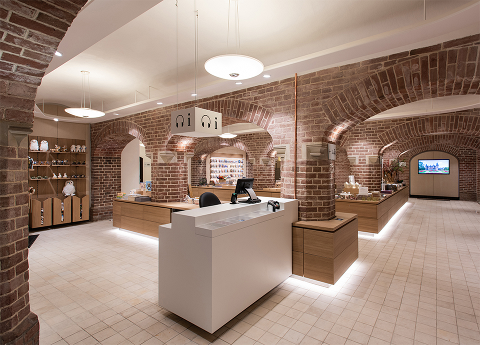 retaildesign signing museumstore hereweare architects cultuurenretail kasteel de haar museumwinkel